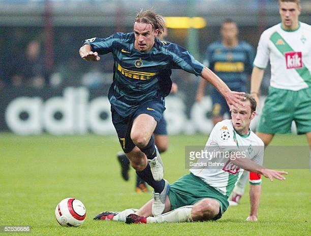Fussball Champions League 04/05 Mailand Inter Mailand SV Werder Bremen 20 Andy VAN DER MEYDE / Inter Fabian ERNST / Bremen 140904