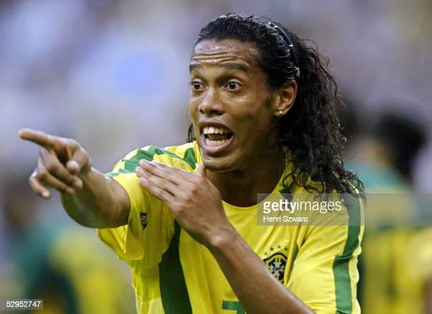 Confederations Cup 2003 Saint Denis 190603 Brasilien Kamerun 01 RONALDINHO / BRA FotoBONGARTS/Henri Szwarc