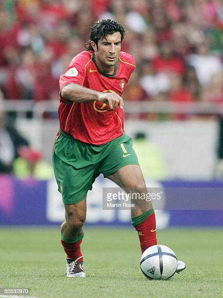 Fussball Euro 2004 in Portugal Finale / Spiel 31 Lissabon Portugal Griechenland 01 Luis FIGO / POR 010704