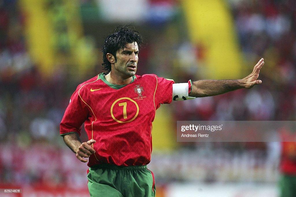 Fussball: EM 2004 in Portugal, Halbfinale, POR-NED : News Photo