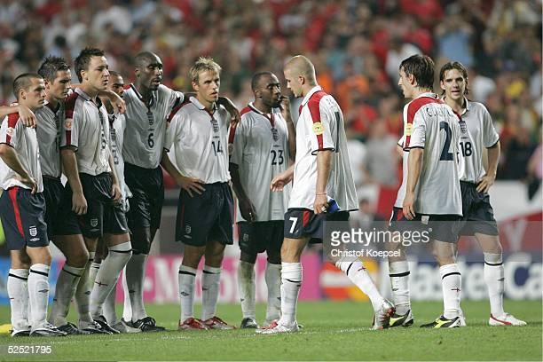 Fussball Euro 2004 in Portugal Viertelfinale Spiel 25 Lissabon Portugal England 87 nV uE David BECKHAM / ENG hat nach dem verschossenen Elfmeter...