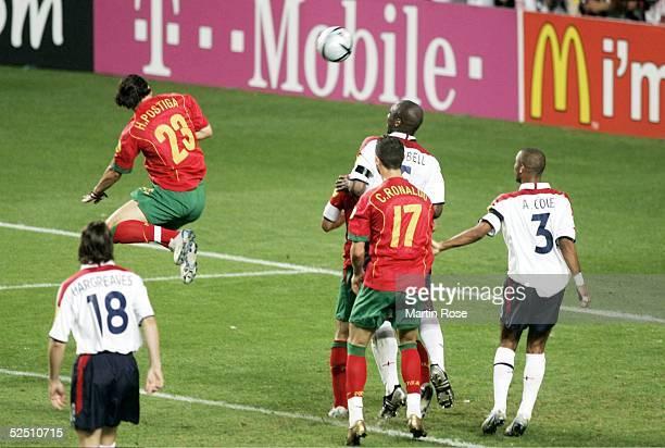 Fussball: Euro 2004 in Portugal, Viertelfinale Spiel 25, Lissabon; Portugal - England ; Helder POSTIGA / POR trifft zum 1:1 24.06.04.