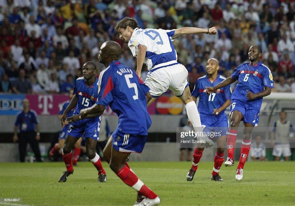 Fussball: EM 2004 in Portugal, FRA-GRE : News Photo