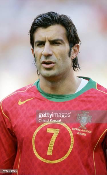 Fussball Euro 2004 in Portugal Vorrunde / Gruppe A / Spiel 17 Lissabon Spanien Portugal 01 Luis FIGO / POR 200604