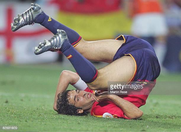 Fussball Euro 2004 in Portugal Vorrunde / Gruppe A / Spiel 2 Faro Spanien Russland 10 Raul / ESP 120604