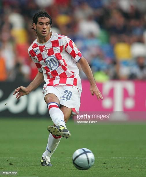 Fussball Euro 2004 in Portugal Vorrunde / Gruppe B / Spiel 12 Leiria Kroatien Frankreich 22 Dovani ROSSO / CRO 170604