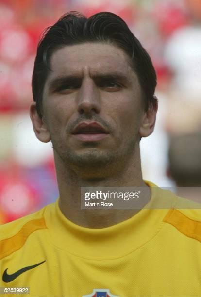 Fussball Euro 2004 in Portugal Vorrunde / Gruppe B / Spiel 3 Leiria Schweiz Kroatien 00 Tomislav BUTINA / CRO 130604