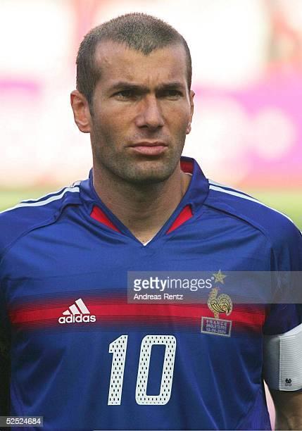 Fussball Euro 2004 in Portugal Vorrunde / Gruppe B / Spiel 4 Lissabon Frankreich England 21 Zindedine ZIDANE / FRA 130604