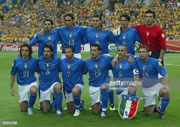 Fussball Euro 2004 in Portugal Vorrunde / Gruppe C / Spiel 14 Porto Italien Schweden 11 Team ITA 180604