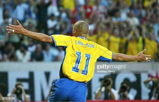 Fussball Euro 2004 in Portugal Vorrunde / Gruppe C / Spiel 6 Lissabon Schweden Bulgarien 50 Henrik LARSSON / SWE 140604
