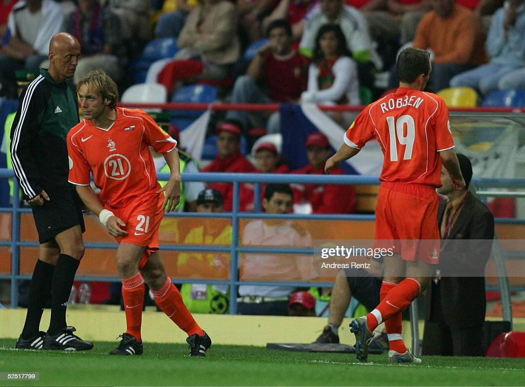 Fussball: EM 2004 in Portugal, NED-CZE : News Photo
