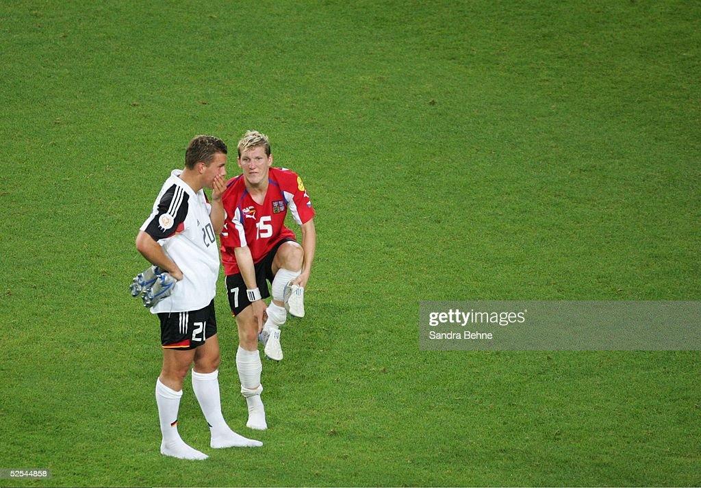 Fussball: EM 2004 in Portugal, GER-CZE : News Photo