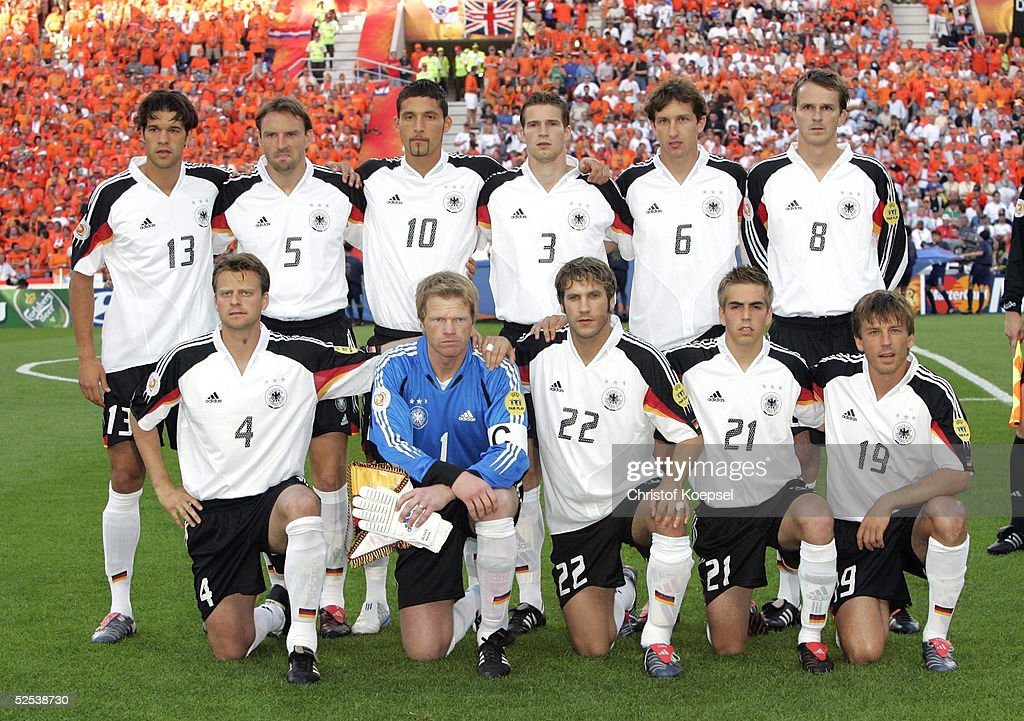 Fussball: EM 2004 in Portugal, GER-NED : Photo d'actualité