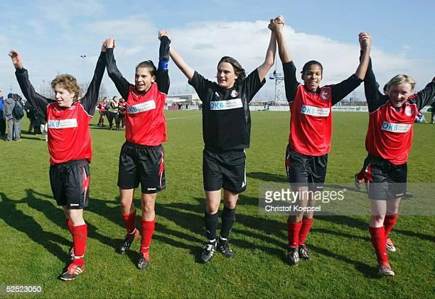 Fussball / Frauen: DFB Pokal Halbfinale 03/04, Brauweiler / Pulheim; FFC Brauweiler Pulheim - FFC Turbine Potsdam 0:3; Petra WIMBERSKY - zweifache...