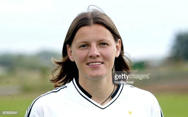 Fussball / Frauen Nationalmannschaft Deutschland 2004 Bitburg Pia WUNDERLICH 030704