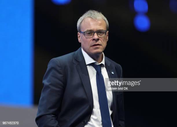 Fussball GER, 1. Bundesliga, Mitgliederversammlung 2017 des FC Schalke 04 in der Veltins Arena, Geschaeftsfuehrer Peter Peters