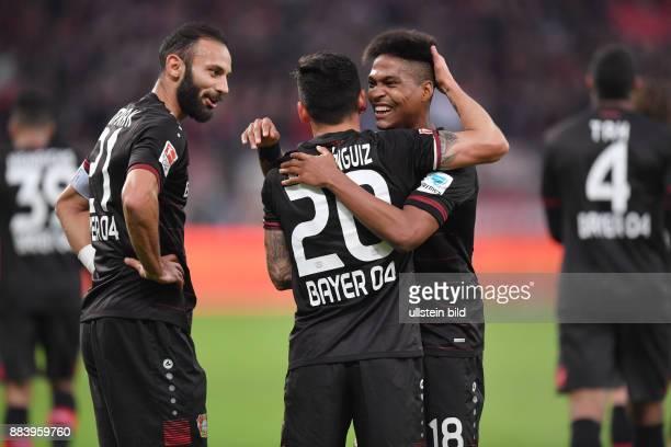 Fussball GER 1 Bundesliga Saison 2016 2017 10 Spieltag Jubel Oemer Toprak Ömer Toprak Charles Aranguiz Wendell