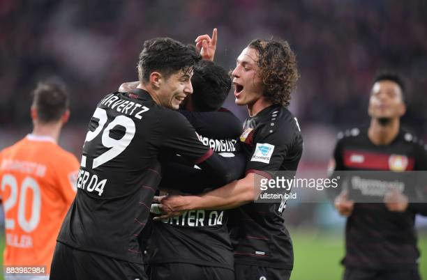 Fussball GER 1 Bundesliga Saison 2016 2017 10 Spieltag Jubel Kai Havertz Charles Aranguiz Julian Baumgartlinger