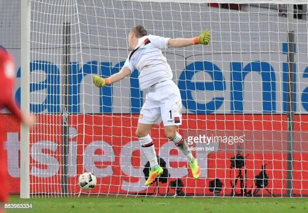 Fussball GER 1 Bundesliga Saison 2016 2017 11 Spieltag Beim Tor von Emil Forsberg macht Torwart Bernd Leno eine schlechte Figur