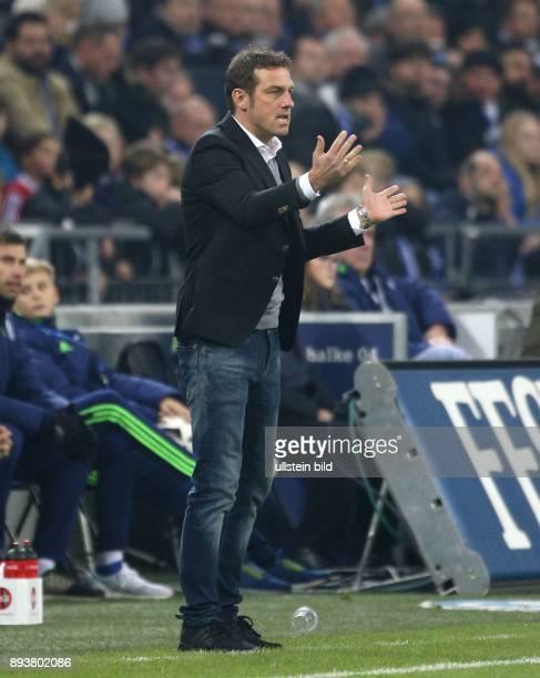 Fussball GER 1 Bundesliga Saison 2016 2017 14 Spieltag FC Schalke 04 Bayer 04 Leverkusen Cheftrainer Markus WEINZIERL