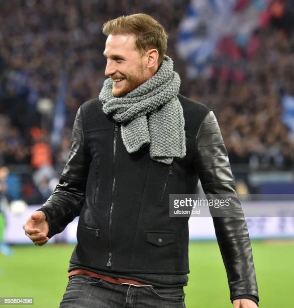 Fussball GER 1 Bundesliga Saison 2016 2017 14 Spieltag FC Schalke 04 Bayer 04 Leverkusen Benedikt HOEWEDES