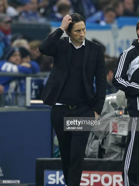 Fussball GER 1 Bundesliga Saison 2016 2017 14 Spieltag FC Schalke 04 Bayer 04 Leverkusen Cheftrainer Roger Schmidt