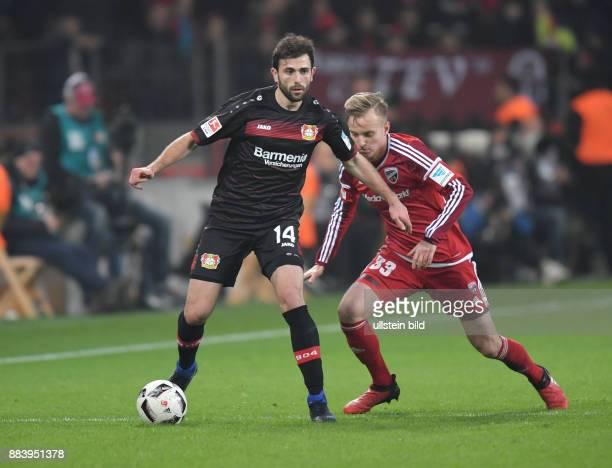 Fussball GER 1 Bundesliga Saison 2016 2017 15 Spieltag Admir Mehmedi li gegen Florent Hadergjonaj