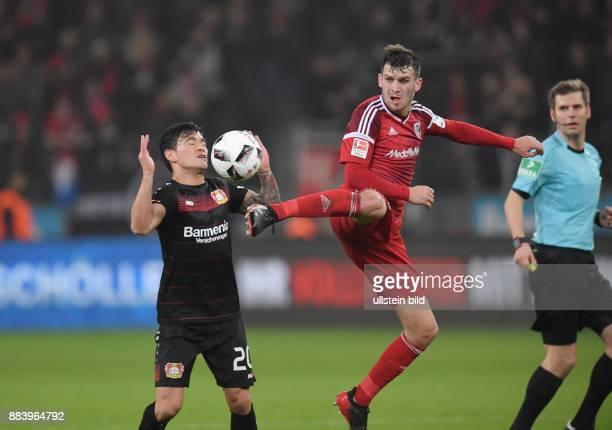 Fussball GER 1 Bundesliga Saison 2016 2017 15 Spieltag Pascal Groß Pascal Gross re gegen Charles Aranguiz
