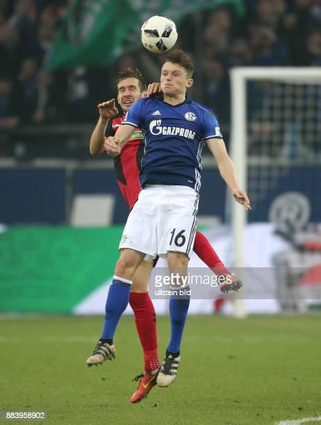 Fussball GER 1 Bundesliga Saison 2016 2017 15 Spieltag Fabian Reese re gegen Julian Schuster
