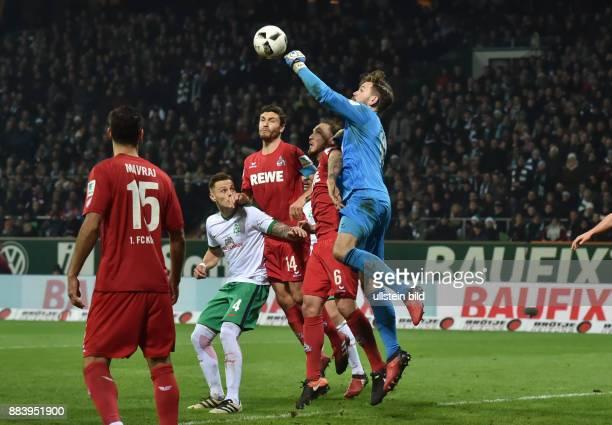 Fussball GER 1 Bundesliga Saison 2016 2017 15 Spieltag Torwart Thomas Kessler re mit einer Faustabwehr links Marco Hoeger Marco Höger Jonas Hector...