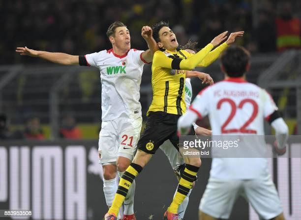 Fussball GER 1 Bundesliga Saison 2016 2017 16 Spieltag Umstritten Dominik Kohr li drueckt im Strafraum gegen Marc Bartra