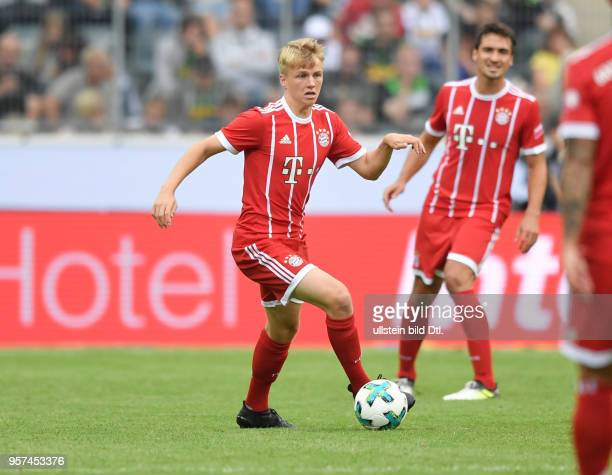Fussball GER 1 Bundesliga Telekom Cup 2017 Finale SV Werder Bremen FC Bayern Muenchen Felix Goetze Felix Götze hinten Mats Hummels