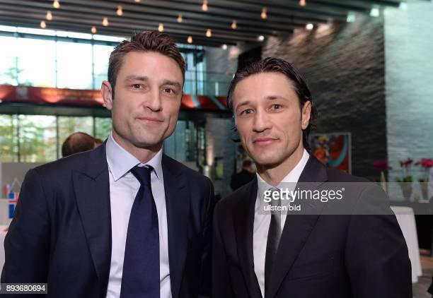 Fussball International World Cup Preliminary Comptition European Zone Playoff Draw Trainer Niko Kovac mit Bruder Robert Kovac