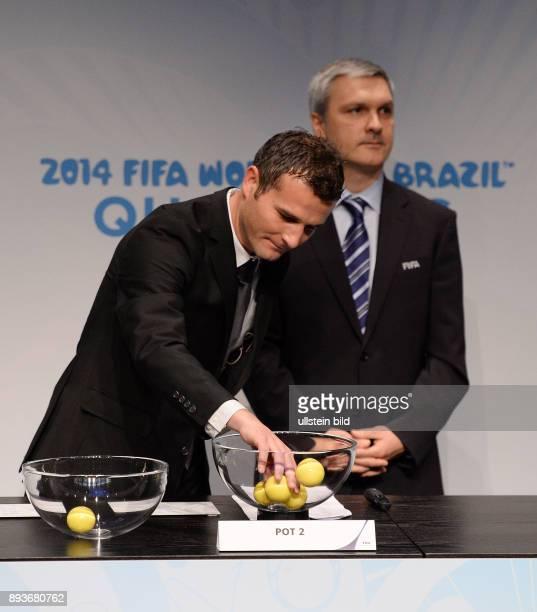 Fussball International World Cup Preliminary Comptition European Zone Playoff Draw Losfee Ex Schweizer Nationalspieler Alexander Frei und Gordon Savic