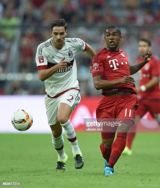Fussball International Audi Cup 2015 Saison 2015/2016 Halbfinale FC Bayern Muenchen AC Mailand Mattia De Sciglio gegen Douglas Costa