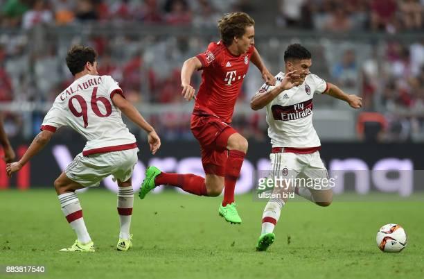 Fussball International Audi Cup 2015 Saison 2015/2016 Halbfinale FC Bayern Muenchen AC Mailand Davide Calabria und Jose Mauri gegen Fabian Benko