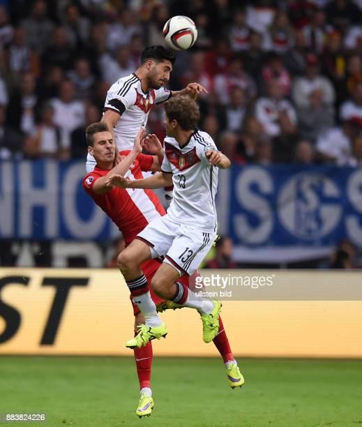 Fussball International EM 2016 Qualifikation Gruppe D in Frankfurt Deutschland Polen Emre Can und Thomas Mueller gegen Arkadiusz Milik