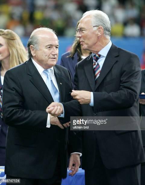 Fussball International FIFA Confederations Cup 2005 FINALE Brasilien Argentinien Sepp BLATTER und Franz BECKENBAUER