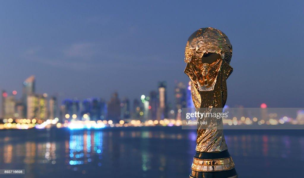 Fussball International Fifa Wm 2022 In Katar Ein Replika Des