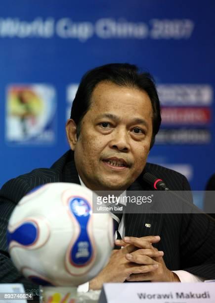 Fussball International Frauen WM China 2007 Halbfinale PK Worawi Makudi Frauen WM 2007 Chairmann und FIFA Exekutivkomitee Mitglied