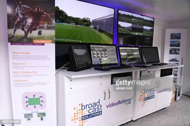 FIFA Fussball International Home of FIFA Experiment mit Video Assistents Schiedsrichter Testspiel U 21 FC Zuerich U21 Grasshopper Club Zuerich VAR...