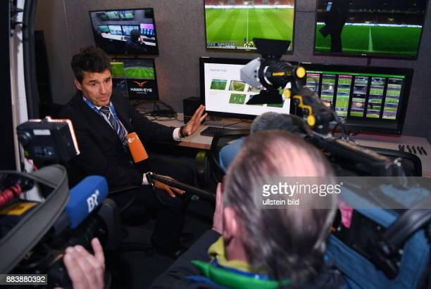 Fussball International Testspiel in Mailand Italien Deutschland Zweiter FIFA Video Assistant Referee Test Schiedsrichter Chef Massimo Busacca im...