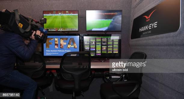 Fussball International Testspiel in Mailand Italien Deutschland Zweiter FIFA Video Assistant Referee Test Ansicht des Videoraum im Van des Anbieters...