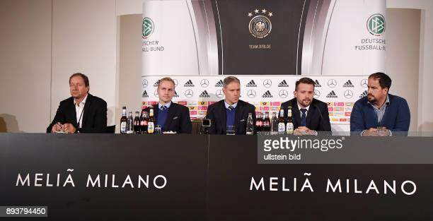 Fussball International Testspiel in Mailand Italien Deutschland PK des FIFA Video Assistant Referee Programm Hellmut Krug Johannes Holzmueller Marco...