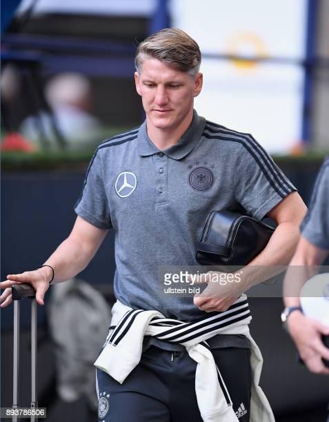 Fussball International Testspiel in Schalke Deutschland Ungarn Ankunft in der Schalke Arena Bastian Schweinsteiger