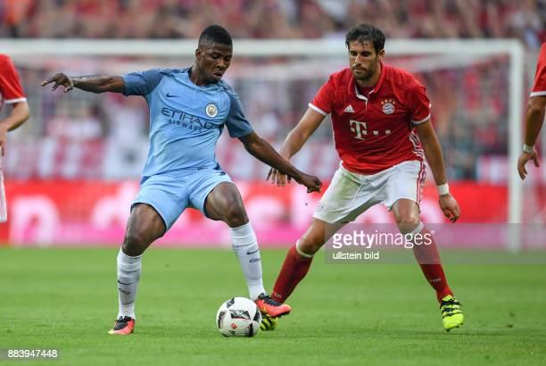 Fussball International Testspiel Saison 2016/2017 FC Bayern Muenchen Manchester City Kelechi Iheanacho gegen Javi Martinez