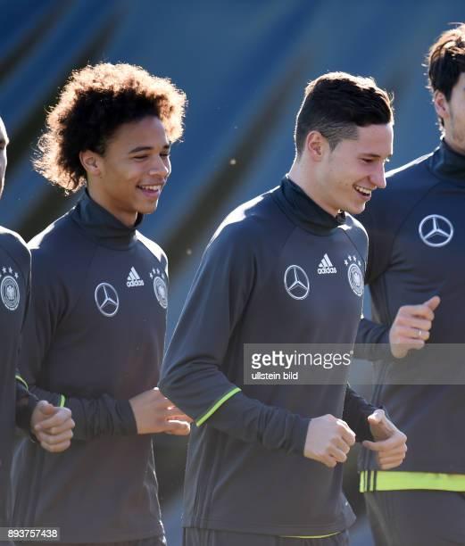 Fussball International Training der deutschen Nationalmannschaft in Muenchen beim FC Bayern an der Saebener Strasse Leroy Sane und Julian Draxler...