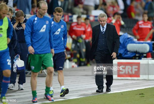 Fussball International WM Qualifikation 2014 in Bern Schweiz Island Enttaeuschung Trainer Ottmar HITZFELD