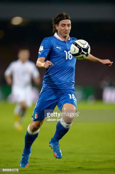 Fussball International WM Qualifikation 2014 in Neapel Italien Armenien Riccardo Montolivo mit Ball