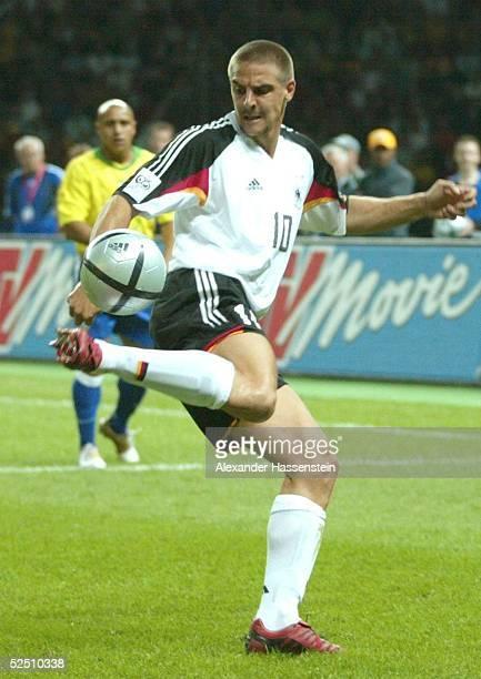 Fussball Laenderspiel 2004 Berlin Deutschland Brasilien 11 Sebastian DEISLER / GER 080904